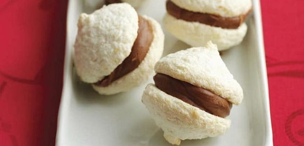 Macaroons with Chocolate Ganache