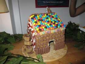 Norwegian Gingerbread House by Annisa Muchtar