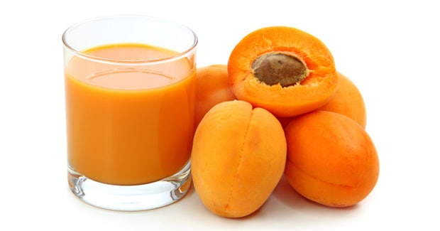 Mandarin and Apricot Smoothie