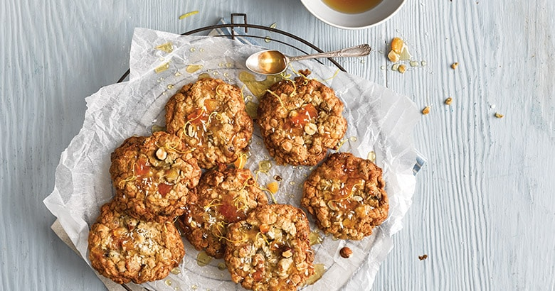 Apricot and Oat Cookies