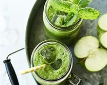 Fresh Apple and Peppermint Juice