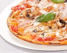 Mozzarella, Mushroom and Tomato Pizza